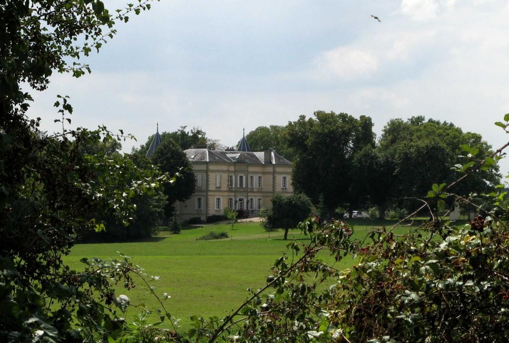 Château d'Alès face aux gîtes